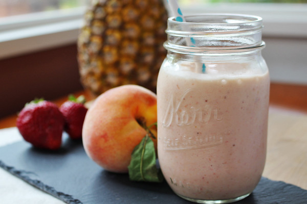 Refreshing Summer Fruit Smoothie | tiaskitchen.com