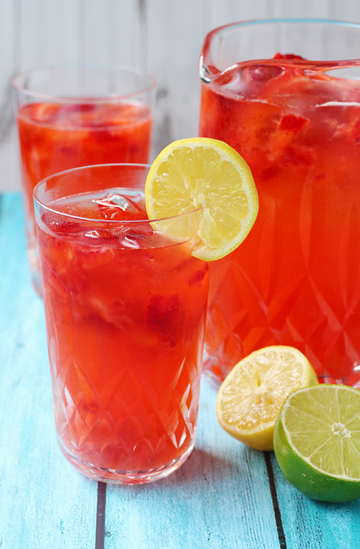 Strawberry Lemonade Recipe with a Lime Twist is perfect for a picnic or anytime. | tiaskitchen.com/strawberry-lemonade-recipe-with-a-lime-twist
