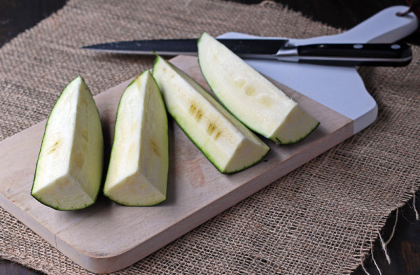 Cutting zucchini to make it look like rice to get your kids to eat it. | tiaskitchen.com