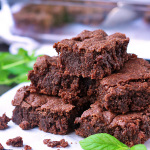Yummy, fudge-y, amazing brownies are gluten free, dairy free and vegan. YES, they are! | tiaskitchen.com/chocolate-mint-brownies-gluten-free-dairy-free-vegan