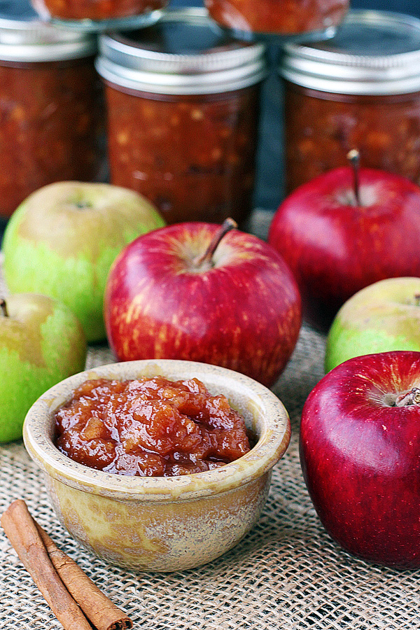 Easy, slow cooker apple butter recipe. You won't believe how easy it really is to make this awesome stuff. | tiaskitchen.com/apple-butter-recipe-gluten-free-dairy-free-vegan