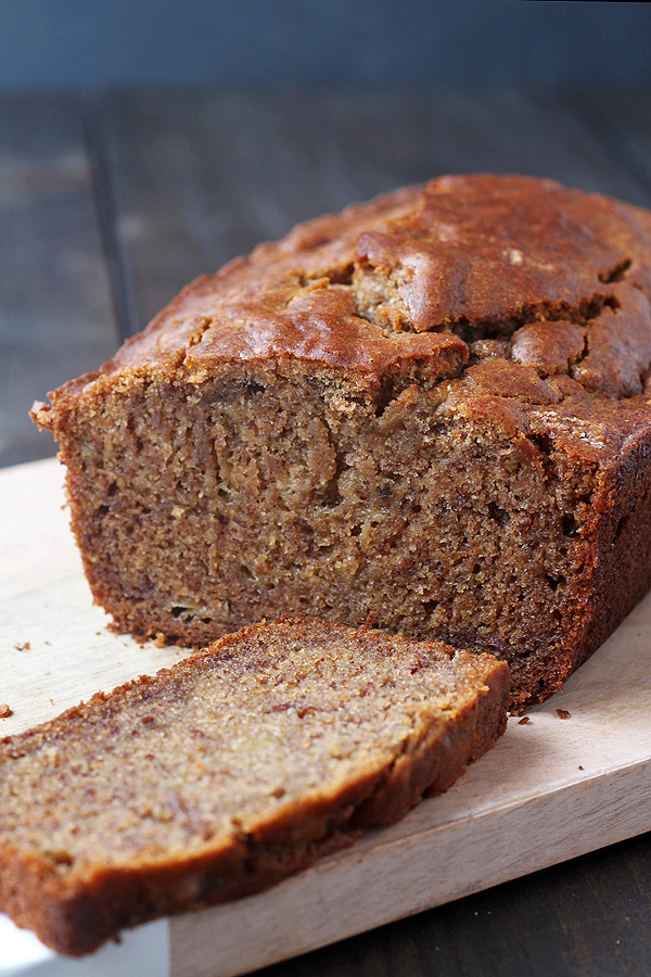 Super easy and super tasty Gluten Free Banana Bread. Dairy Free and Vegan, too! | tiaskitchen.com/gluten-free-banana-bread-dairy-free-and-vegan