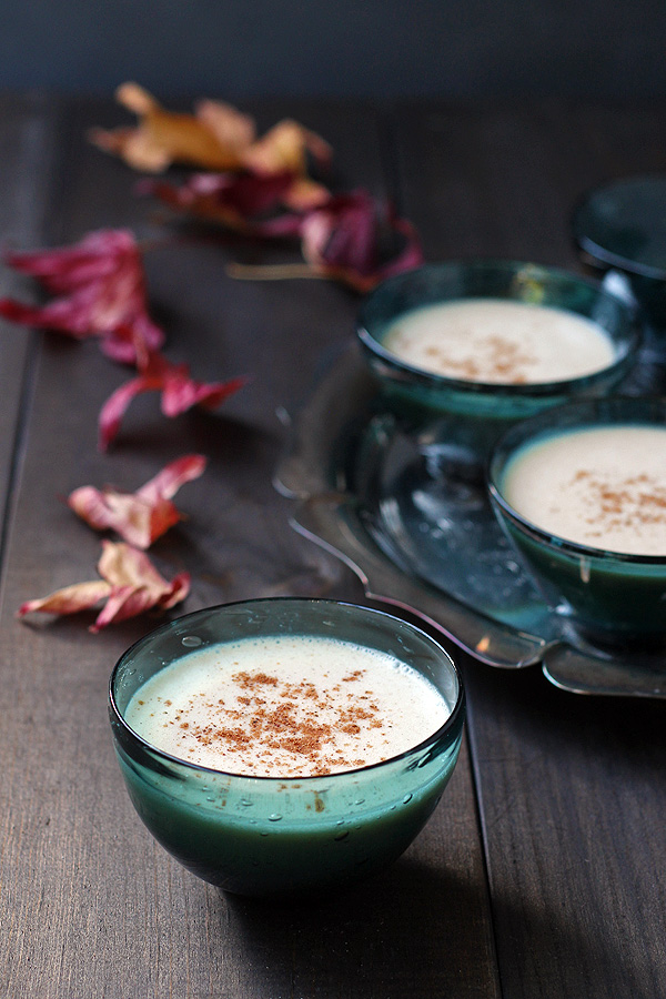 This amazing vegan eggnog is dairy free, gluten free and egg free. And so super simple to make. | tiaskitchen.com/vegan-eggnog