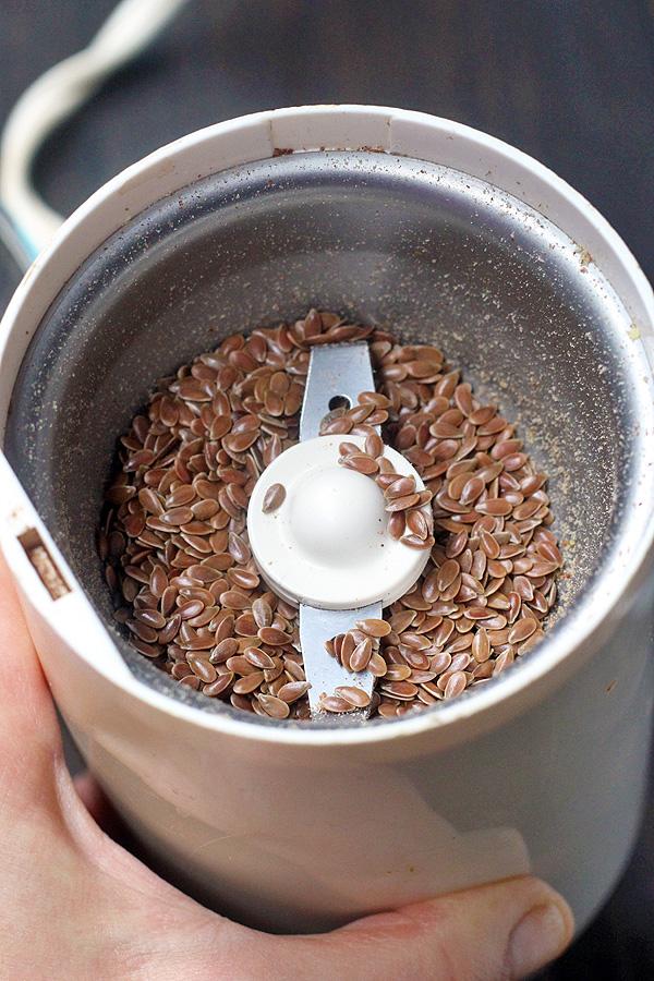 flax seeds in grinder