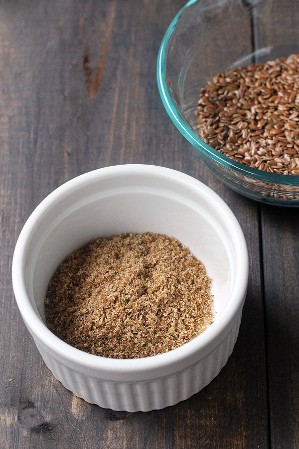 A great vegan egg substitute in baking. Making a flax egg is so super easy. | tiaskitchen.com/how-to-make-a-flax-egg
