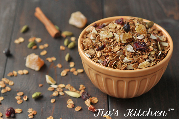 It's so easy to make your own healthy granola. Cheaper, better tasting and healthier than store-bought. | tiaskitchen.com/easy-homemade-granola-recipe-gluten-free-vegan